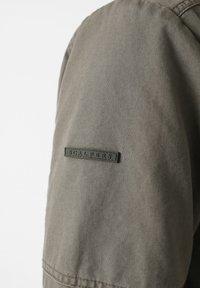 Scalpers - Leichte Jacke - khaki - 4