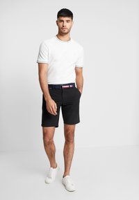 Tommy Hilfiger - BROOKLYN LIGHT BELT - Shorts - black - 1