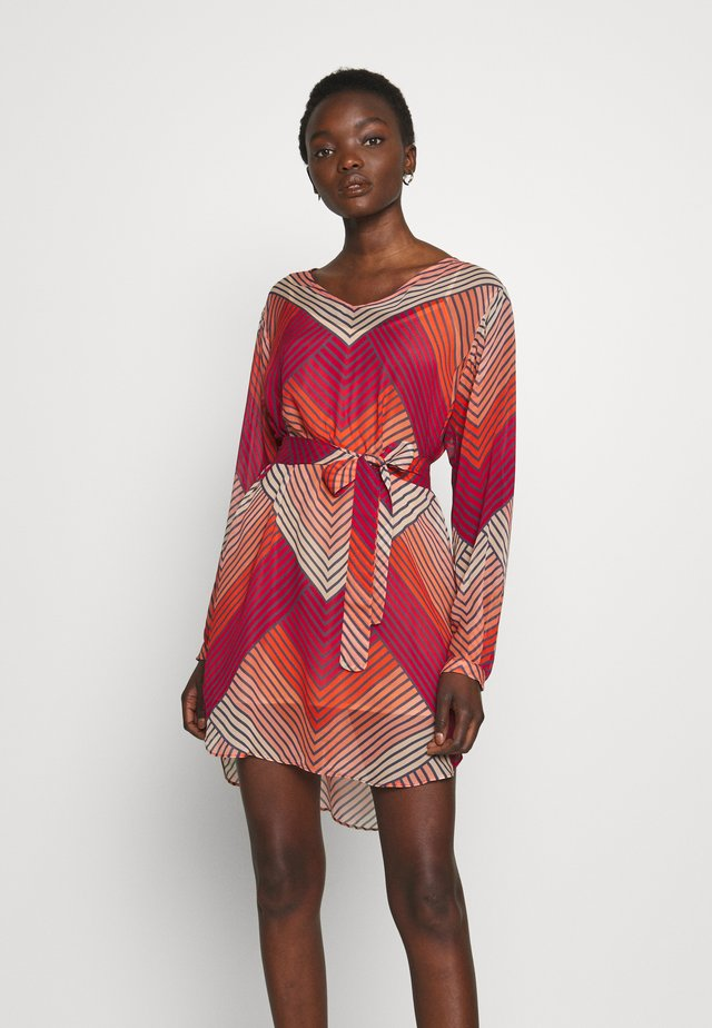 TUNICA GEOMETRICA E CINTURA - Day dress - multi-coloured