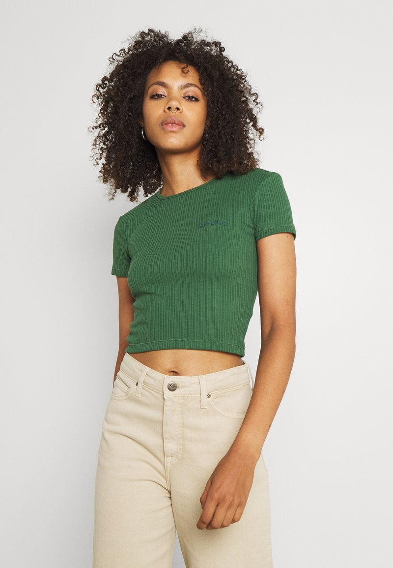 BDG Urban Outfitters - BABY TEE - T-shirts - dark green