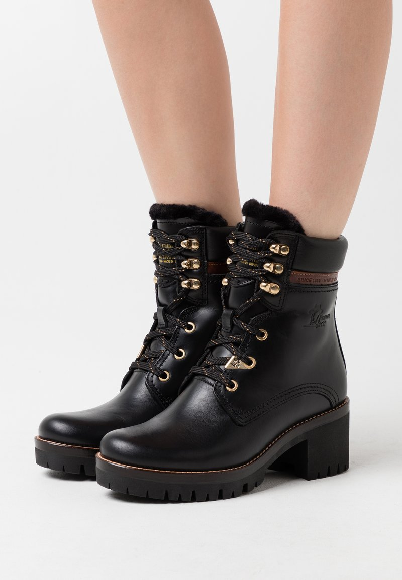 Panama Jack - PHOEBE BROOKLYN - Kotníkové boty na platformě - black