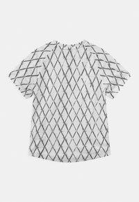 Nike Performance - Print T-shirt - white/black - 1