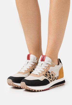 SELVA - Sneakers laag - beige