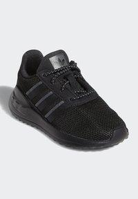 adidas Originals - LA TRAINER LITE SHOES - Scarpe primi passi - black - 2