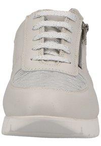 Marc - Sneakersy niskie - white - 5