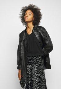 By Malene Birger - CAROSSA - A-line skirt - dark grey melange - 3