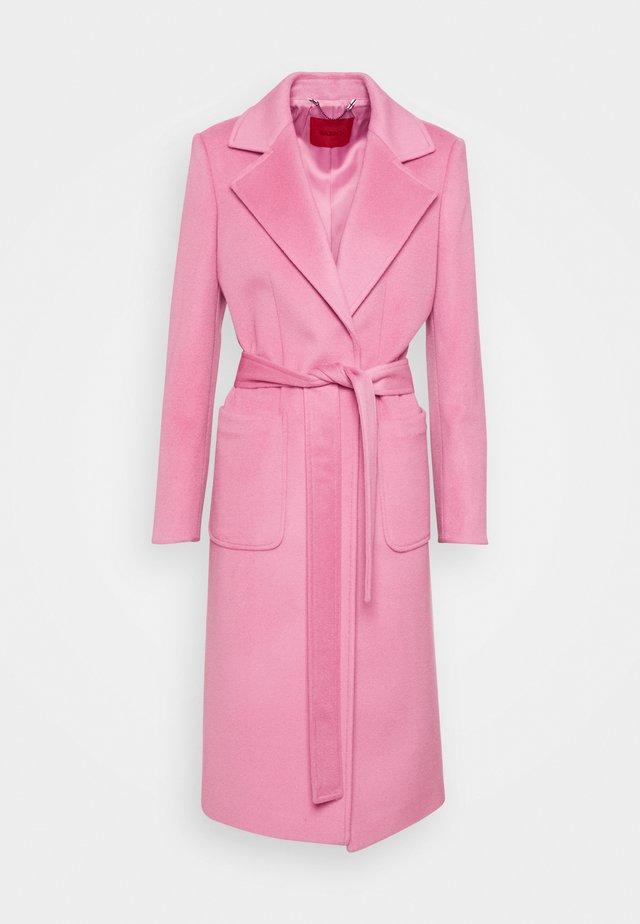 RUNAWAY - Cappotto classico - pink