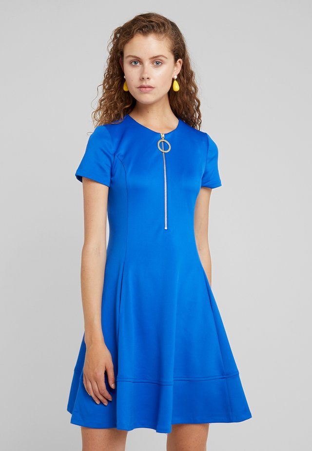 FIT FLARE WITH ZIPPER - Day dress - royal