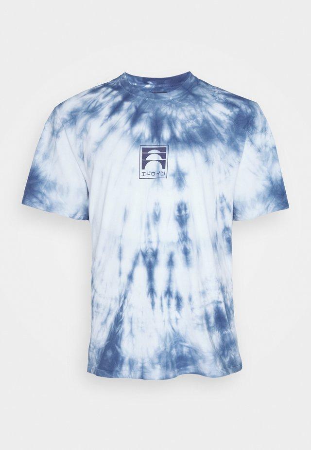 SUNRISE - T-shirts med print - vintage blue