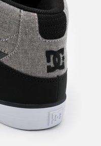 DC Shoes - PURE - Skatesko - black/heather grey - 5