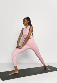 Nike Performance - CROCHET TANK - Funktionsshirt - pink glaze/canyon rust/rust pink - 1