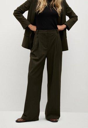 MELCHOR - Spodnie materiałowe - kaki