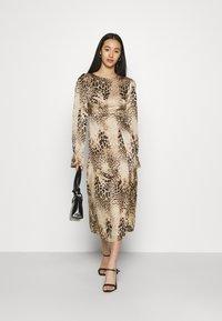 Missguided - PEN BACK MIDI DRESS  - Day dress - brown - 1