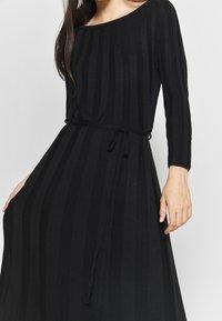 YAS - YASCHELSEA 3/4 ANKLE DRESS  - Maxi šaty - black - 5