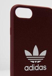 adidas Originals - MOULDED CASE CANVAS  IPHONE 6/6S/7/8 - Étui à portable - maroon/white - 2