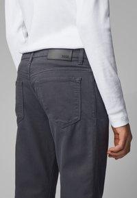 BOSS - MAINE - Straight leg jeans - grey - 3