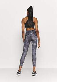 Nike Performance - RUN 7/8 - Tights - black/silver - 2