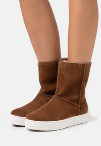 s.Oliver - Classic ankle boots - nut - 0