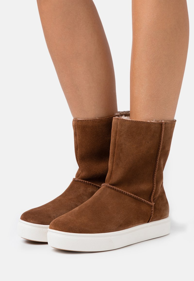 s.Oliver - Classic ankle boots - nut