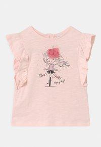 OVS - T-shirts print - pearl - 0