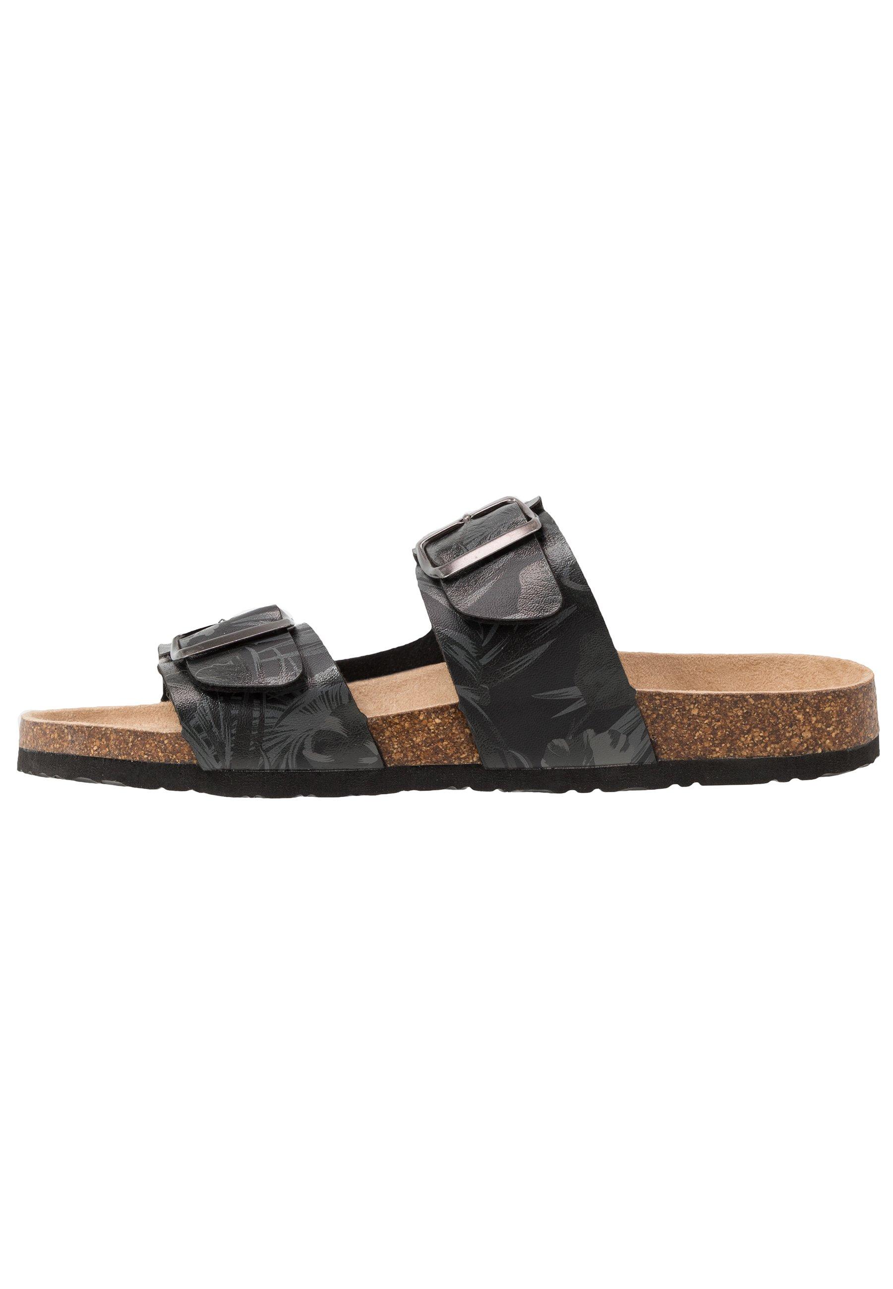 Men Slippers - black