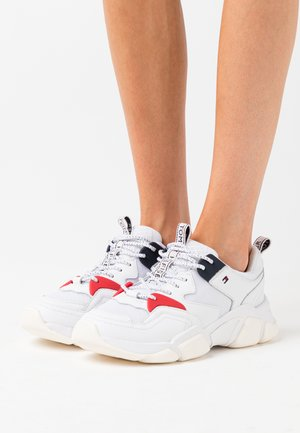 WMN CHUNKY MIXED TEXTILE TRAINER - Sneakersy niskie - white