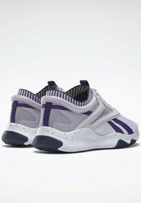Reebok - HIIT LES MILLS FOUNDATION - Scarpe da fitness - purple - 2