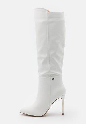 JOLIE - Boots med høye hæler - white