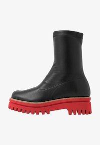 Paloma Barceló - ANAIS SUPREME - Platform ankle boots - black/red - 1