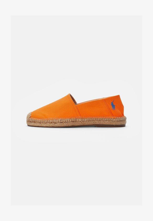 CEVIO SLIP - Espadrilles - resort orange/blu