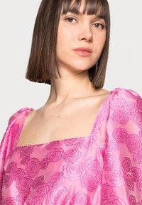 Samsøe Samsøe - SASHA DRESS - Sukienka koktajlowa - bubble gum pink - 3