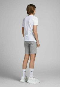 Jack & Jones Junior - 2 PACK - Shorts - light grey melange - 4