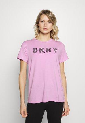 TRACK LOGOSHORT SLEEVE TEE - T-shirts print - rosebud