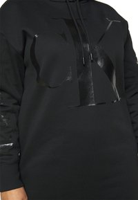 Calvin Klein Jeans Plus - ECOCK LOGO HOODIE DRESS - Day dress - black - 5