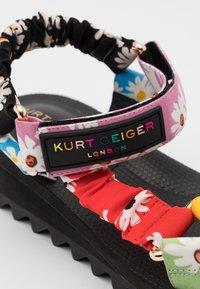 Kurt Geiger London - ORION - Sandály na klínu - multicolor - 6