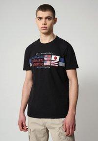 Napapijri - SILEA - T-shirt med print - black - 0