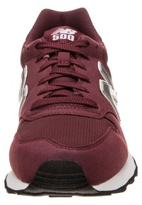 New Balance - GW500 - Trainers - burgundy - 5