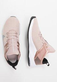 Nike Performance - AIR MAX BELLA TR 2 - Kuntoilukengät - stone mauve/metalic silver/black/barely rose/metalic red bronze/white - 1