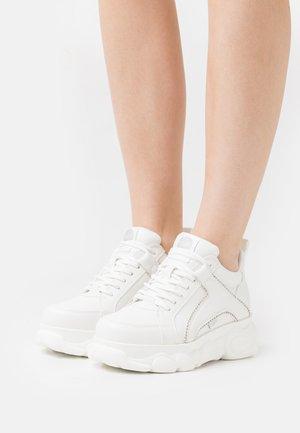 VEGAN CORIN - Trainers - white/silver
