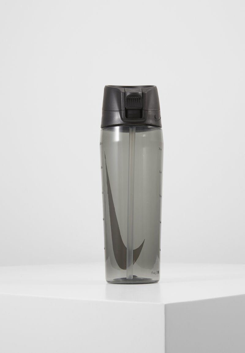 Nike Performance - HYPERCHARGE STRAW BOTTLE 709ML UNISEX - Drikkeflaske - anthracite/white