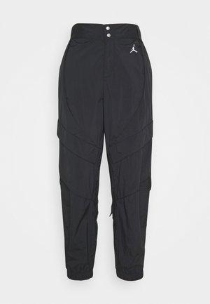 W J UTILITY PANT - Pantalones - black