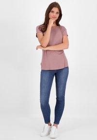 alife & kickin - Basic T-shirt - plum - 1