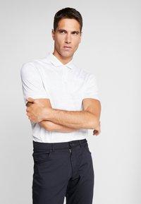 Nike Golf - DRY VAPOR CAMO - Funkční triko - pure platinum/white/white - 0