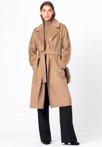 HALLHUBER - Classic coat - camel - 0