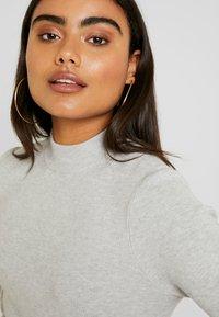 Vero Moda Petite - VMFANCY NANCY HIGHNECK DRESS  - Jumper dress - light grey melange - 4