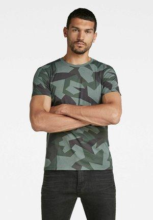 CAMO ROUND NECK - T-shirt con stampa - graphite gd swedish small camo