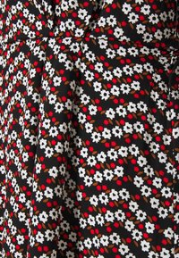 ONLY - ONLELEANOR LIFE 3/4 FAKE WRAP DRESS - Denní šaty - black - 2