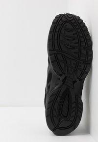 ASICS SportStyle - GEL-1090 UNISEX - Sneakers basse - black - 4