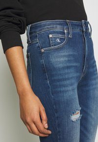 Calvin Klein Jeans - HIGH RISE SUPER ANKLE - Jeans Skinny - mid blue - 5