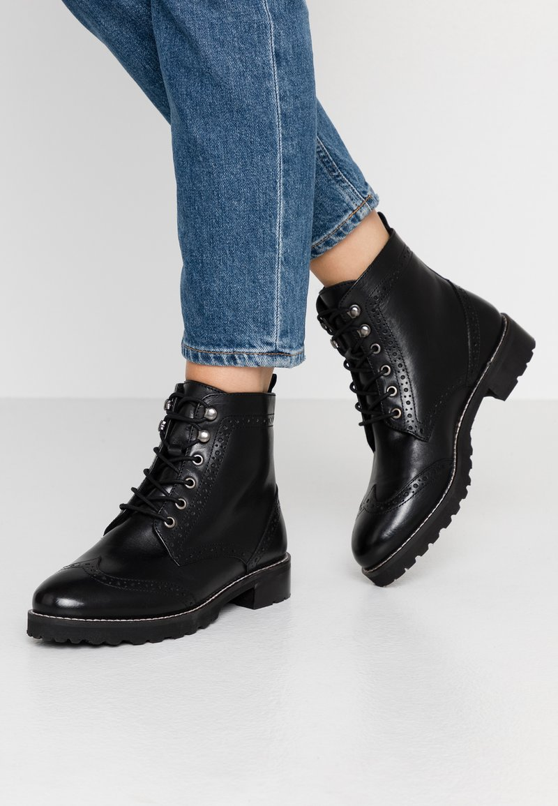 mint&berry wide fit - Lace-up ankle boots - black